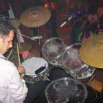 ליווי DJ, מתופף על הבמה